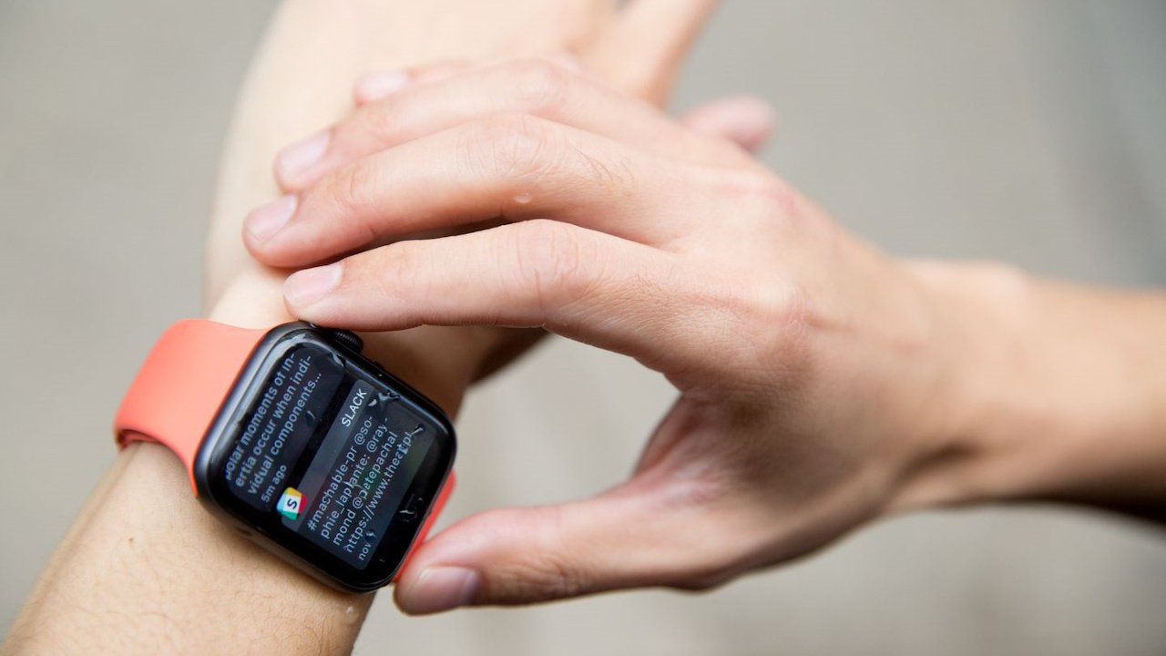 jak restartovat apple watch