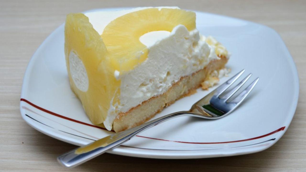 jak-pripravit-nepeceny-ananasovy-dort-feat