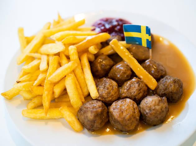IKEA masové kuličky s omáčkou